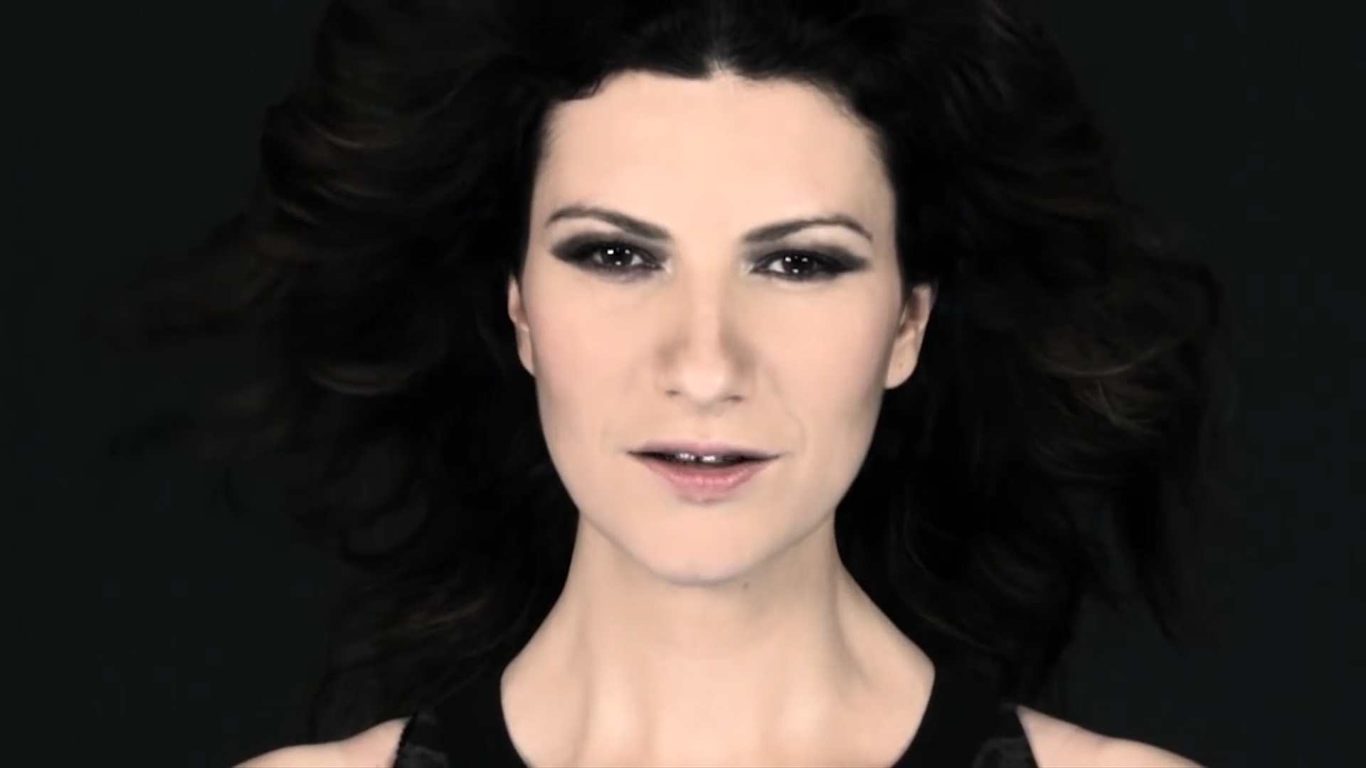 laura-pausini-video-musicale-Sugarkane_studio-Studio_B19